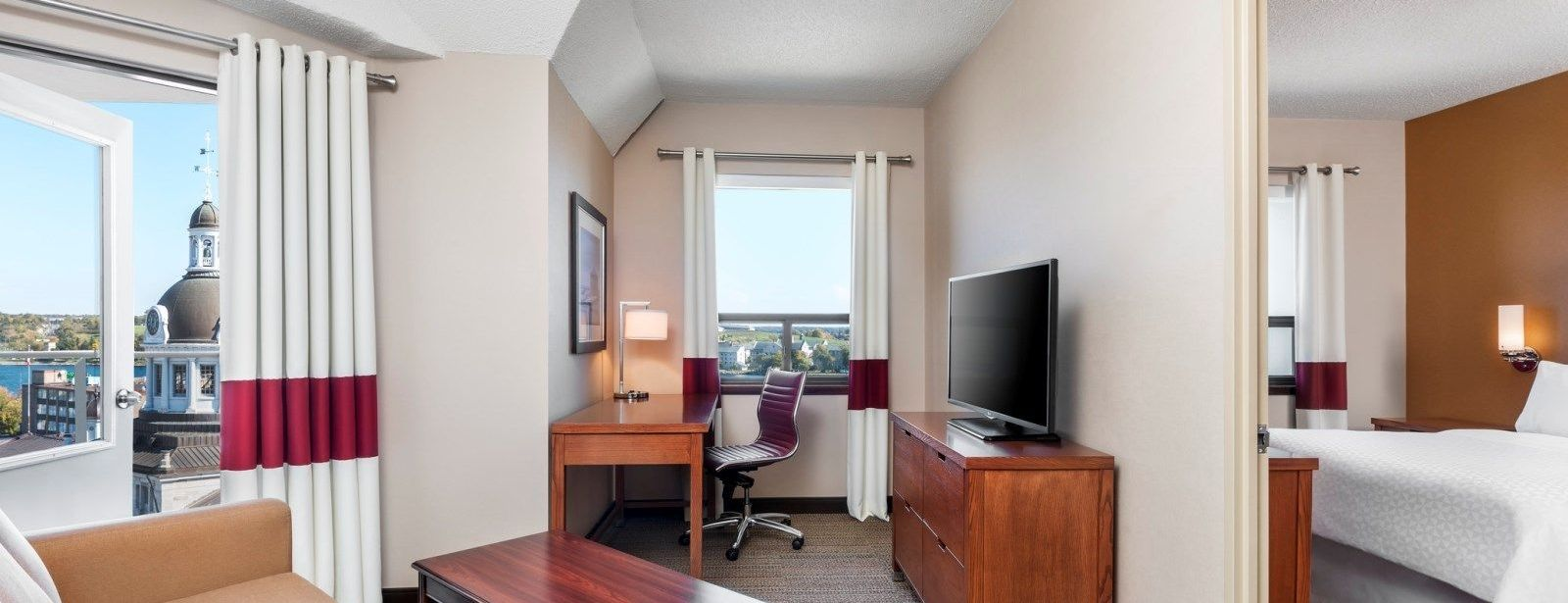 Kingston Accommodations - Suite